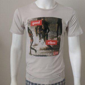 ALTRU Good Vibes T-shirt